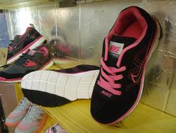 Ảnh số 63: giày thể thao - Giá: 280.000