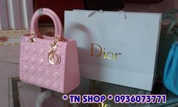 Ảnh số 47: Dior Lady fake 1B,trơn cạnh.kèm túi giấy như hình. 550k. - Giá: 550.000