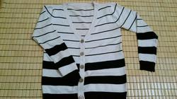Ảnh số 28: áo len sọc đen - Giá: 130.000