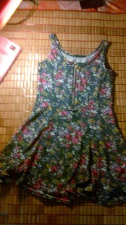 Ảnh số 17: váy ngắ nền xanh hoa nhí - Giá: 165.000