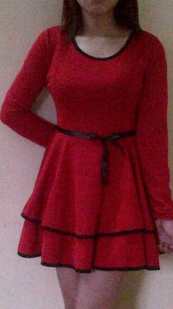 Ảnh số 11: váy đỏ 2 tầng - Giá: 165.000