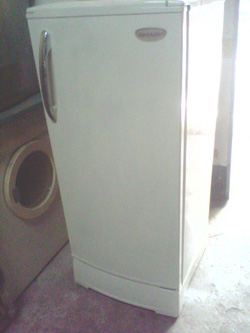 Ảnh số 1: Bán tủ lạnh SHARP 140 lít hàng nhập khẩu THÁI LAN bán nhanh bảo hành 12 tháng - Giá: 10.000