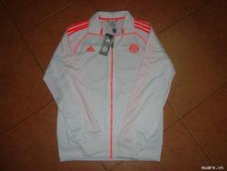 Ảnh số 37: áo khoác bayermunich - Giá: 800.000