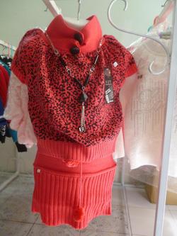 Ảnh số 5: Bộ váy len - Giá: 260.000