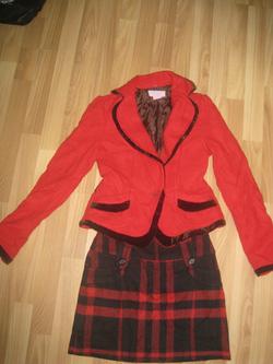 Ảnh số 13: 3>Áo khoác dạ đỏ pha nhung nâu size s 290k Jip dạ size s 130k - Giá: 250.000