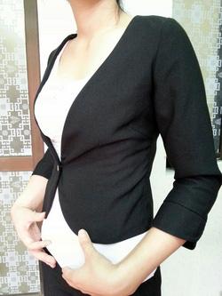 Ảnh số 8: Bộ vest kiểu nữ đen - Giá: 900.000