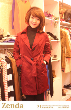 Ảnh số 42: Áo mangto màu đỏ sẫm - Giá: 520.000