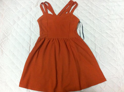 Ảnh số 24: váy cam - Giá: 120.000