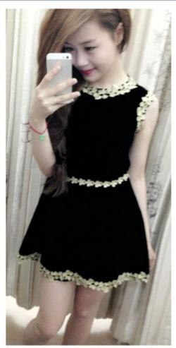 Ảnh số 18: Đầm nhung đen viền ren S41 - Giá: 210.000