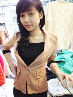 Ảnh số 77: vest tay lửng Chanel - Giá: 320.000