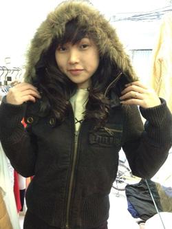 Ảnh số 82: áo khoác mũ viền lông - Giá: 600.000