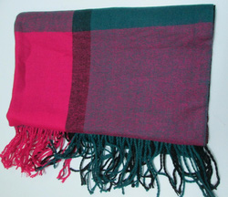 Ảnh số 72: khăn dạ caro - Giá: 100.000