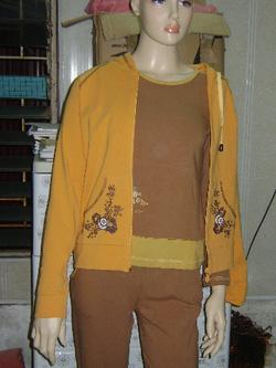 Ảnh số 59: nâu be mix áo khoác - Giá: 430.000