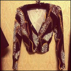Ảnh số 21: Áo len croptop dài tay họa tiết rất sang, len xịn, mặc với áo 3 lỗ hay mặc riêng nó rất sexy nhé tôn vòng 1 giá 220k - Giá: 220.000
