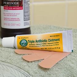 Ảnh số 10: Triple Antibiotic Ointment - Giá: 120.000