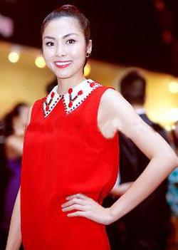 Ảnh số 72: váy suông dính hạt đen, đỏ - Giá: 850.000