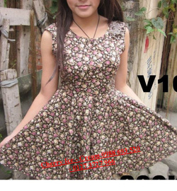 Ảnh số 74: Váy hoa nhí xòe, mặc ôm dáng - Giá: 190.000