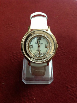 Ảnh số 9: MS 11 Đồng hồ Royal dây da cách điệu kết hợp đá - Giá: 1.150.000