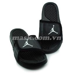 Ảnh số 78: Nike Air Jordan đen - Giá: 750.000