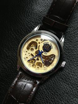 Ảnh số 10: đồng hồ cơ - Giá: 330.000
