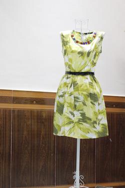 Ảnh số 1: Váy Zara xanh dáng cổ điển - Giá: 300.000
