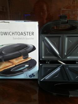 Ảnh số 52: máy kẹp bánh mì Sanwich 700k - Giá: 700.000