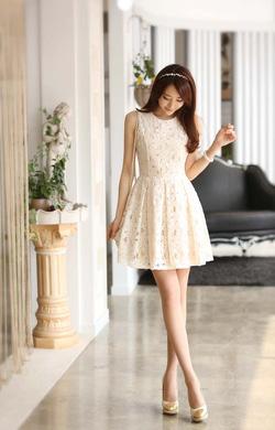 Ảnh số 16: Váy ren - Giá: 275.000