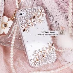 Ảnh số 76: Ốp hoa chùm đôi màu trắng Iphone 4: 285k; Iphone 5: 295k - Giá: 285.000
