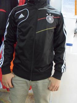 Ảnh số 22: áo khoác tuyển đức đen - Giá: 160.000