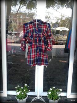 Ảnh số 15: áo sơ mi kẻ xanh đỏ, giá 230k, có đầy đủ các cỡ size - Giá: 230.000