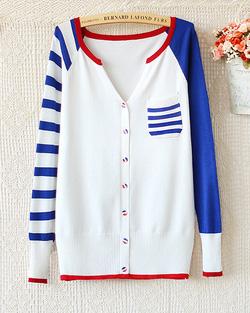 Ảnh số 13: Áo len / Size: M, L / Màu: Trắng / Xuất xứ Made in Korea - Giá: 280.000