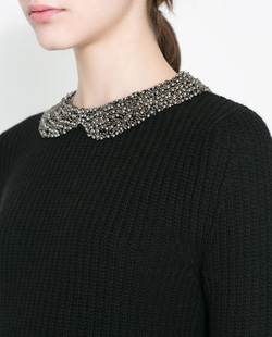 Ảnh số 54: ANGORA SWEATER WITH RHINESTONES ON THE COLLAR - Giá: 1.500.000