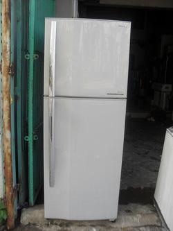 Ảnh số 7: Tủ lạnh Toshiba GR-M32VPD 280 lít mới 99% - Giá: 4.200.000