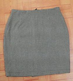 Ảnh số 41: Jupe ôm vải kẻ nhuyễn - Giá: 250.000