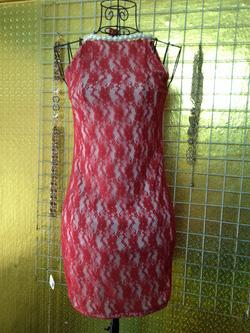 Ảnh số 76: Váy ren đỏ, cổ ngọc trai, có lót trong, size S - 190k - Giá: 190.000