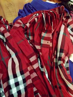 Ảnh số 78: * áo buberry  đỏ tay dài cực chơi _170k . hàng chuẩn từng đương kim mũi chỉ nhe - Giá: 170.000