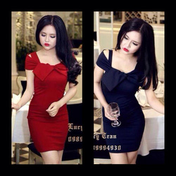 Ảnh số 61: váy trễ vai ôm body thắt nơ có màu đỏ và đen giá:370k - Giá: 370.000