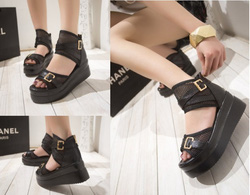 Ảnh số 75: Gi&agravey sandals b&aacutenh m&igrave lưới quai ngang 2 kh&oacutea- 270.000VND - Giá: 270.000