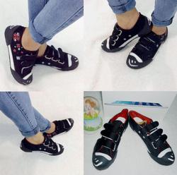Ảnh số 79: Giày sneaker họa tiết hoa- 280.000VNĐ - Giá: 280.000