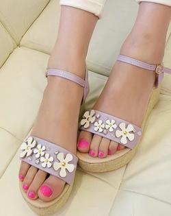 Ảnh số 59: sandal xuồng - Giá: 420.000