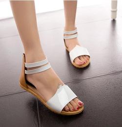 Ảnh số 29: Giày sandals hở mũi da bóng - Giá: 220.000