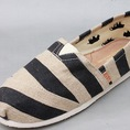 Giày TOMS...giá hấp dẫn... Đóng order 6 16 26 hàng tháng