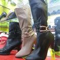Shop Giày Duyên có nhiều mẫu mới, mời các bạn vào xem
