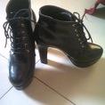 Mình được tặng đôi Boot này nhưng không đeo vừa, để lại cho bạn nào thích nhé