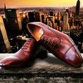 Luxlego là thương hiệu giày da cao cấp, may thủ công, sản xuất tại Sài gòn