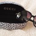 Còn 2 cái kính thời trang màu đen,mại dzô,giá oke,chộp ngay kính xịn,