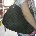 Túi xách hàng hiệu cực cá tính thời trang cho bạn gái tự tin xuống phố