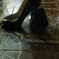 Để lại 1 đôi giày VNXK đế nhọn cao 7 phân da đen bóng siêu đẹp giá hot hàng new 99%