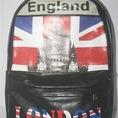 Balo cờ Anh chèn tháp cổ độc đáo