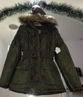 Áo khoác lông nữ, USA